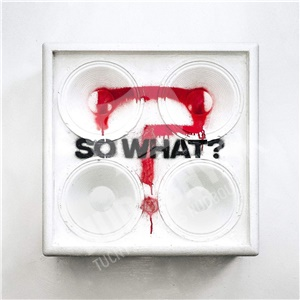 While she sleeps - So what (Limited edition) od 15,59 €